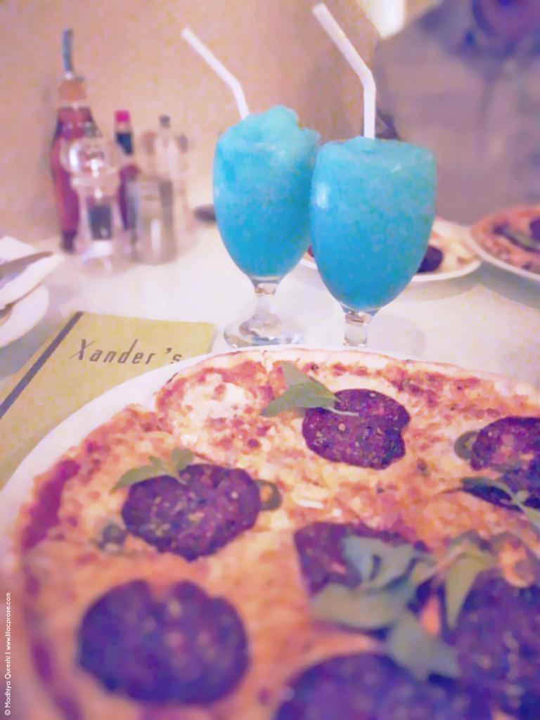 Peppercorn Salami Pizza, Drinks, Beverages, Xander's Restaurant Review