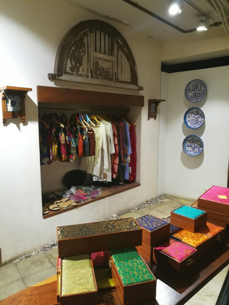 Tali Karachi - A Gift Store_Lilac Prose Jewellery Boxes, Clothes, Jewelry, decor, Crafts Handicrafts Pakistan