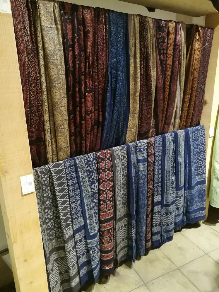 Tali Karachi - A Gift Store_Lilac Prose Block Print Dupattas Crafts Handicrafts